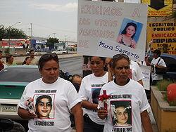 250px-Familiares_de_mujeres_asesinada